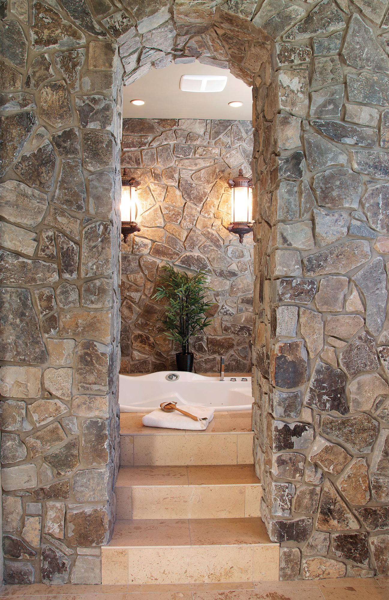 Interior Stone Veneer >> Moose Mountain Cottage Blend Thin Veneer - Montana Rockworks